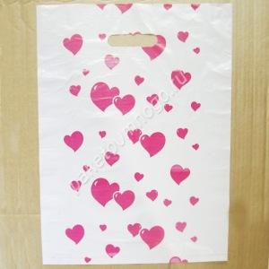 пакет с вырубленными ручками сердечко